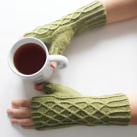 Mitten knitting pattern - ILDOA by Lilofil