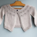 Modele de tricot de gilet bébé hibbis de lilofil