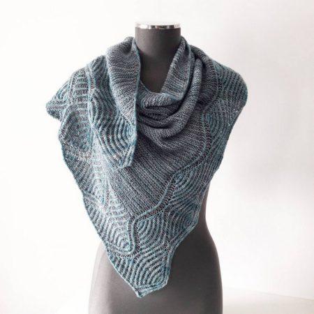 modele tricot de chale Lil Brioche de Lilofil