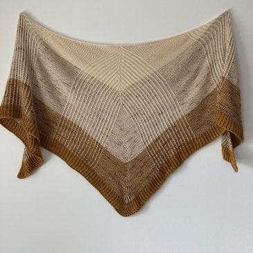 Modèle tricot châle Pehema